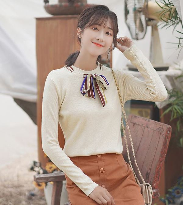 Sweater with Bow