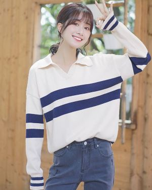 V-Neck Collared Sweater with Stripes (1)