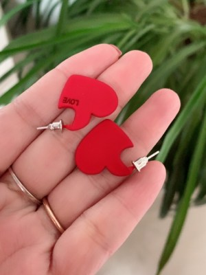 IU Red Heart Earrings (1)