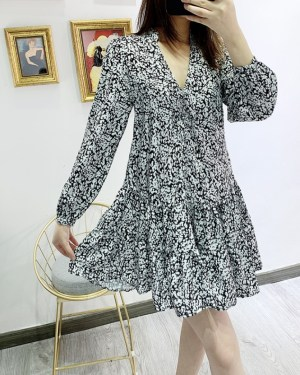 Yeri Black and White Print V-Neck Dress (1)