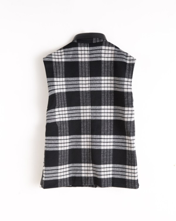 Plaid Sleeveless Vest | Yuna – ITZY