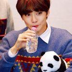 Triangle Patterns Loose Sweater | Jeongin – Stray Kids