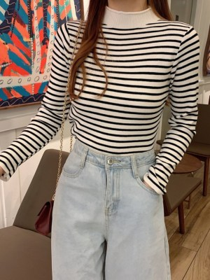 Moonbyul Striped Semi Turtle Neck Sweatshirt (14)