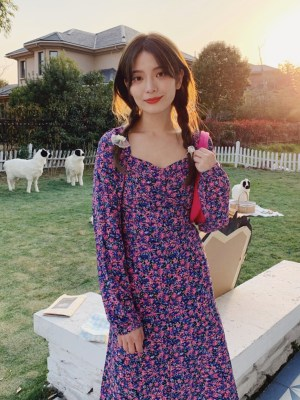 Hyuna Square Collar Purple Floral Backless Dress 00012