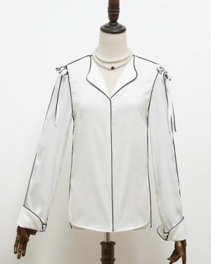 IU Black Outlined White Silk-like Shirt (1)