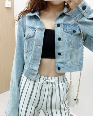 Jennie Blue Cropped Denim Jacket and Vertical Striped Wide Leg Pants (5)