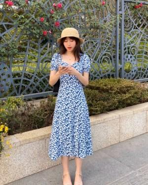 Jisoo Blue Floral Side Slit Dress (4)