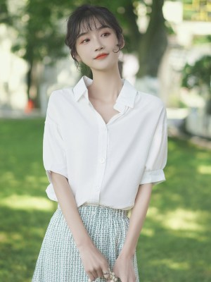 Big Buttoned White Shirt (8)