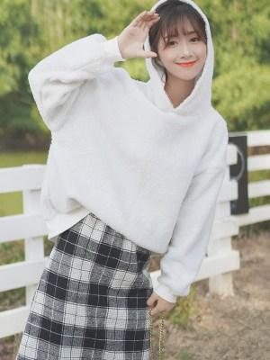 Loose Snow White Wool Hoodie (6)