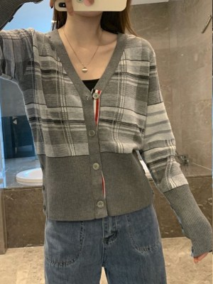 Suga Rocky Shelter Grey Tartan V-Neck Cardigan 00008