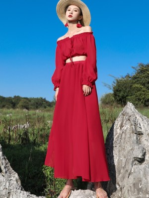 Solar – Mamamoo Red Off Shoulder Two-Piece Dress (6)