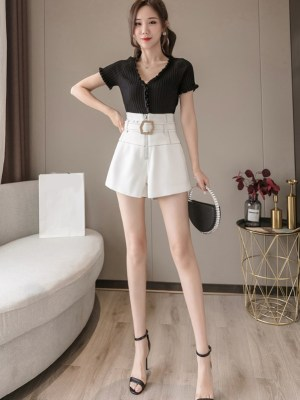 Chaeryeong Belted High Waist Black Shorts (17)