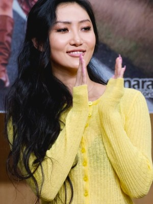 Yellow Knitted Cardigan | Hwasa – Mamamoo