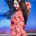 Red Floral Ruffled Top | Hyuna
