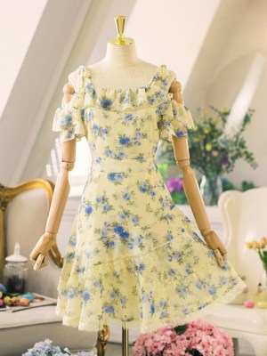IU – Yellow Floral Chiffon Dress (11)