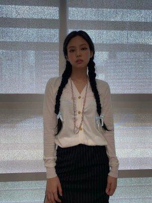 Apricot Knitted Cardigan | Jennie – BlackPink