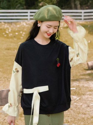 Floral Laced Sleeves Black Sweater (7)