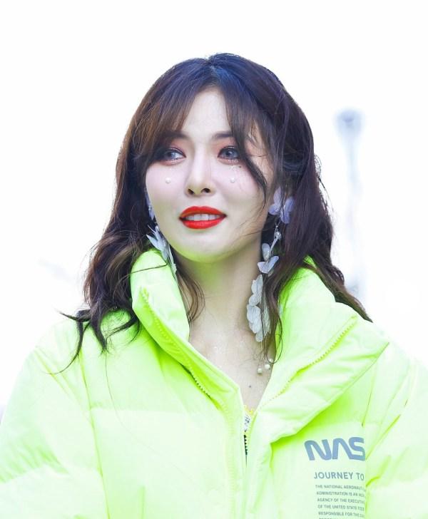 White Butterfly Earrings | Hyuna