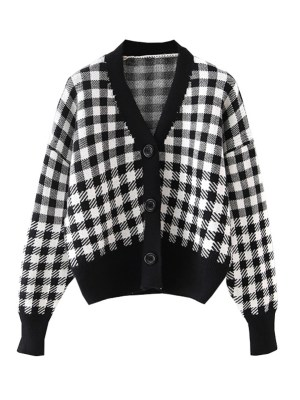 Hyunjin – Loona Plaid V-Neck Knitted Cardigan (13)