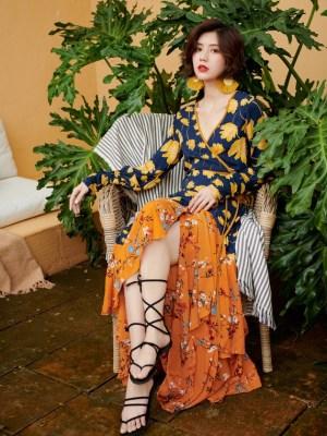 Soojin – (G)I-DLE Boho Floral Print Beach Dress (9)