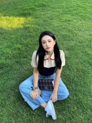 Muticolored Puffed Sleeve Top| Yeri – Red Velvet
