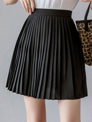 Rose – BlackPink Black Pleated Skirt (9)