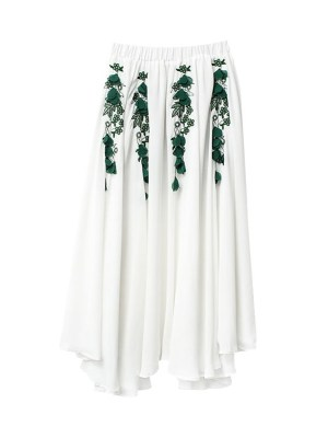 IU – Hotel Del Luna White Skirt With Embroidered Flowers (6)