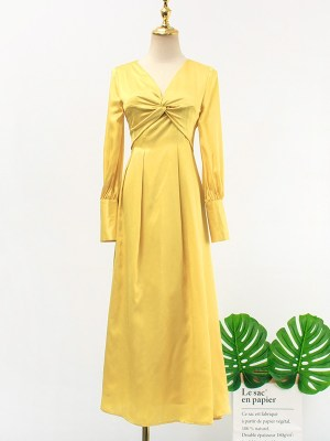 IU – Hotel Del Luna Yellow Front Twist Dress (7)