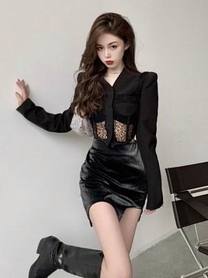 Yeri – Red Velvet Black Corset Jacket (15)