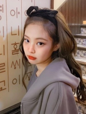 Black Velvet Bow Headband | Jennie – BlackPink