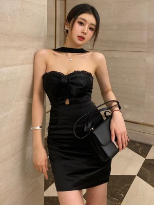 Jisoo Black Laced Bow Tube Dress (1)