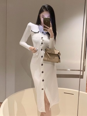 Rose – BlackPink White Long Sleeve Dress With Flower Buttons (4)