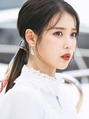 Silver Feather Pearl Earrings | IU – Hotel Del Luna