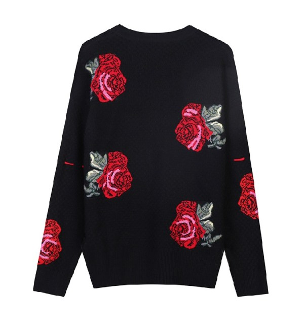 Flower Embroidered Black Sweater | Yuna – ITZY