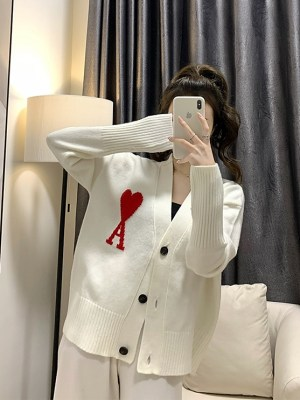 Hyunjin – Stray Kids White Knitted Ace of Hearts Cardigan (9)