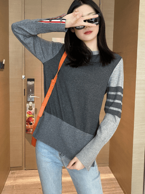 Jin – BTS Knitted Colorblock Sweater With Line Bars (5)