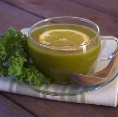 Soupe détox kale-orange-gingembre