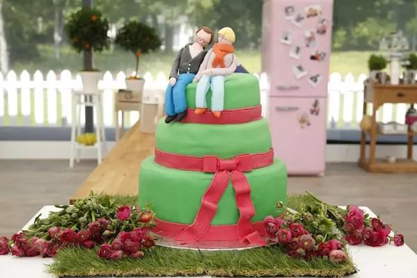Le Wedding Cake Vanille Lemon Curd Et Pomme Granny Décor En Pâte à Sucre