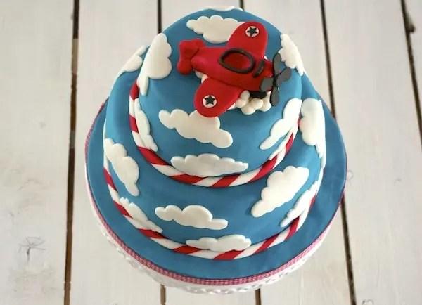 red-aeroplane-cake