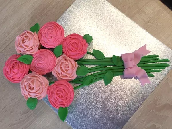 bouquet-roses-cupcakes-facile