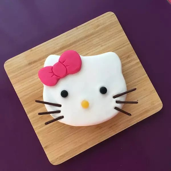 hello-kitty-gateau-pateasucre