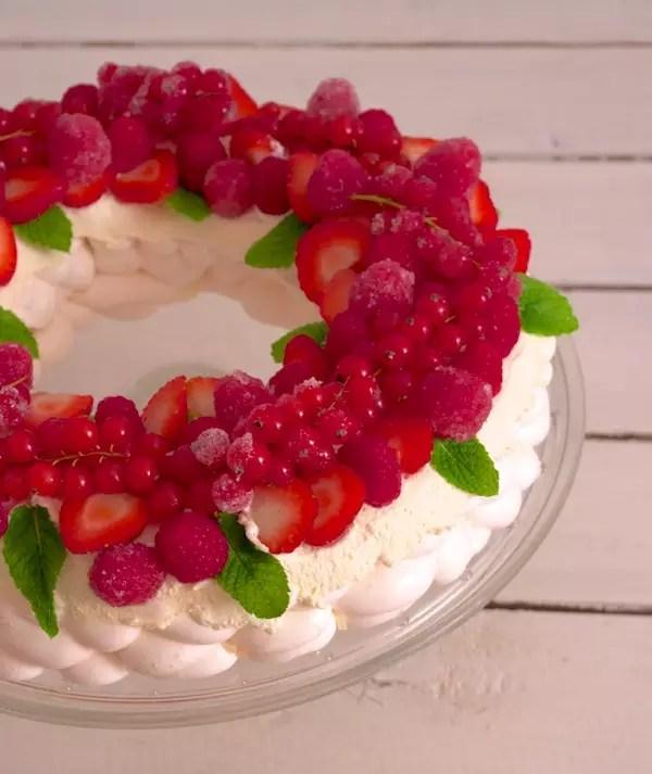 pavlova-couronne-noel-fruits-rouges