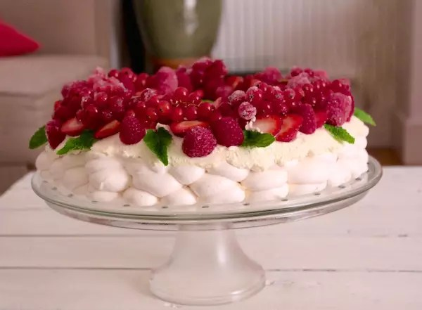 pavlova-noel-fruits-rouges