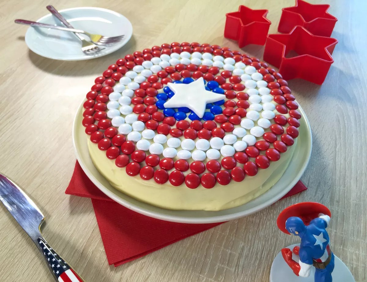 Captain America cake AnneSophie Fashion Cooking