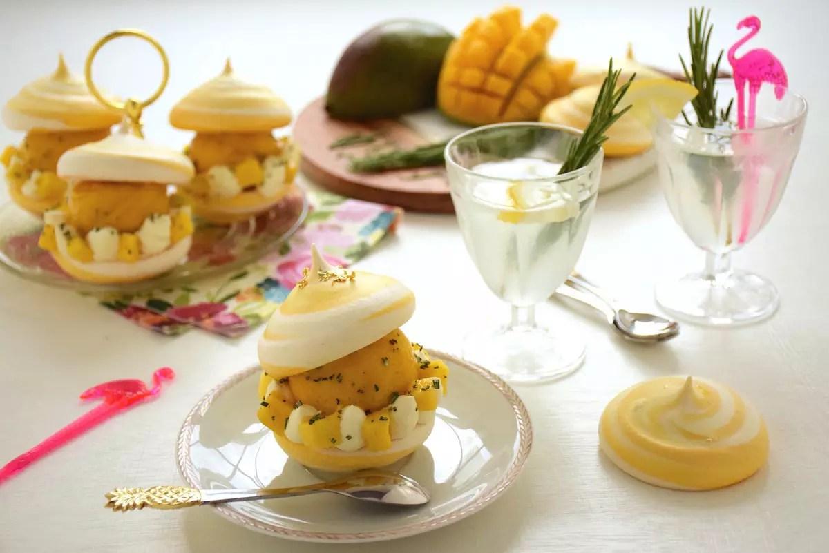 bouchée glacée meringue, mangue, romarin pour carte d'or