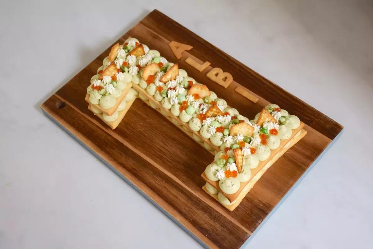 Gâteau chiffre / Number Cake salé avocat saumon