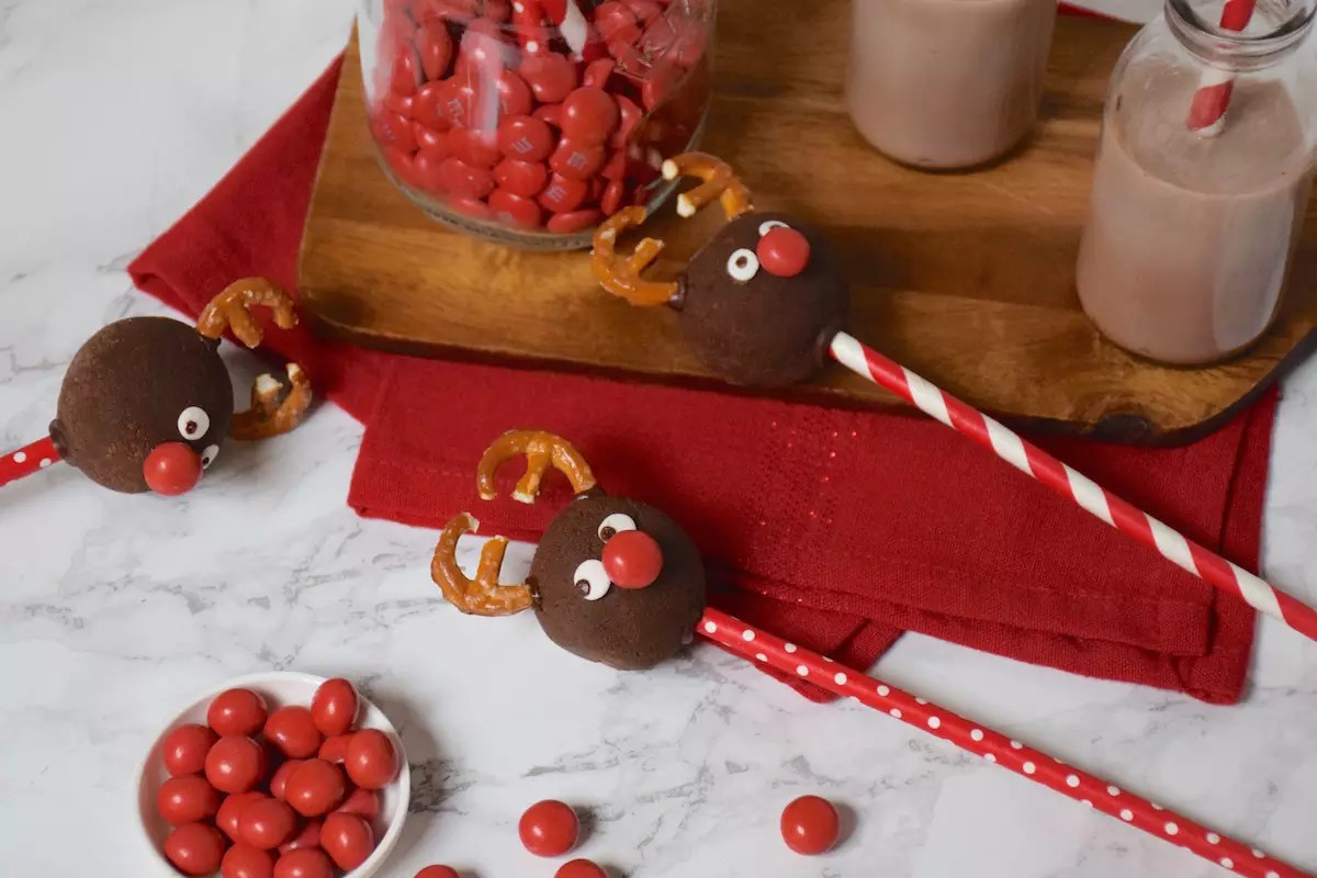 Cakes pops Rennes de Noël