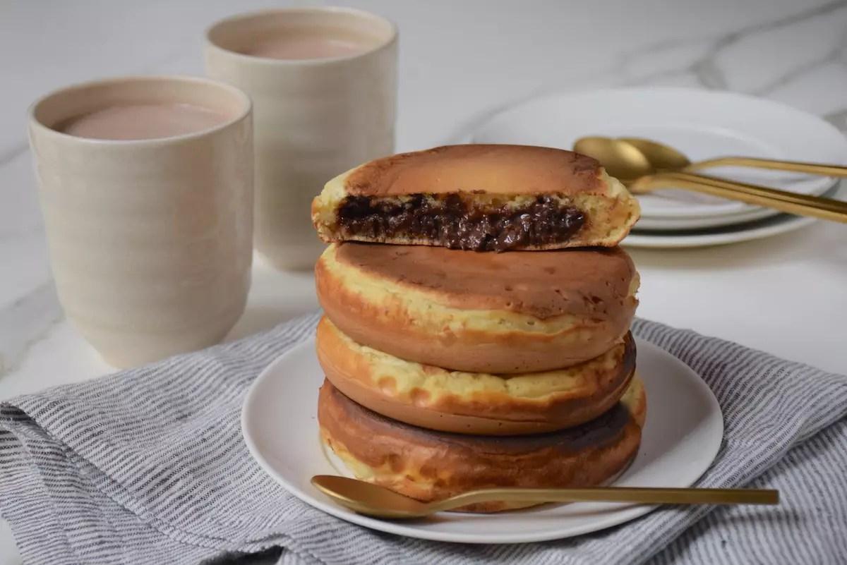 Méga pancakes fourrés à la pâte à tartiner