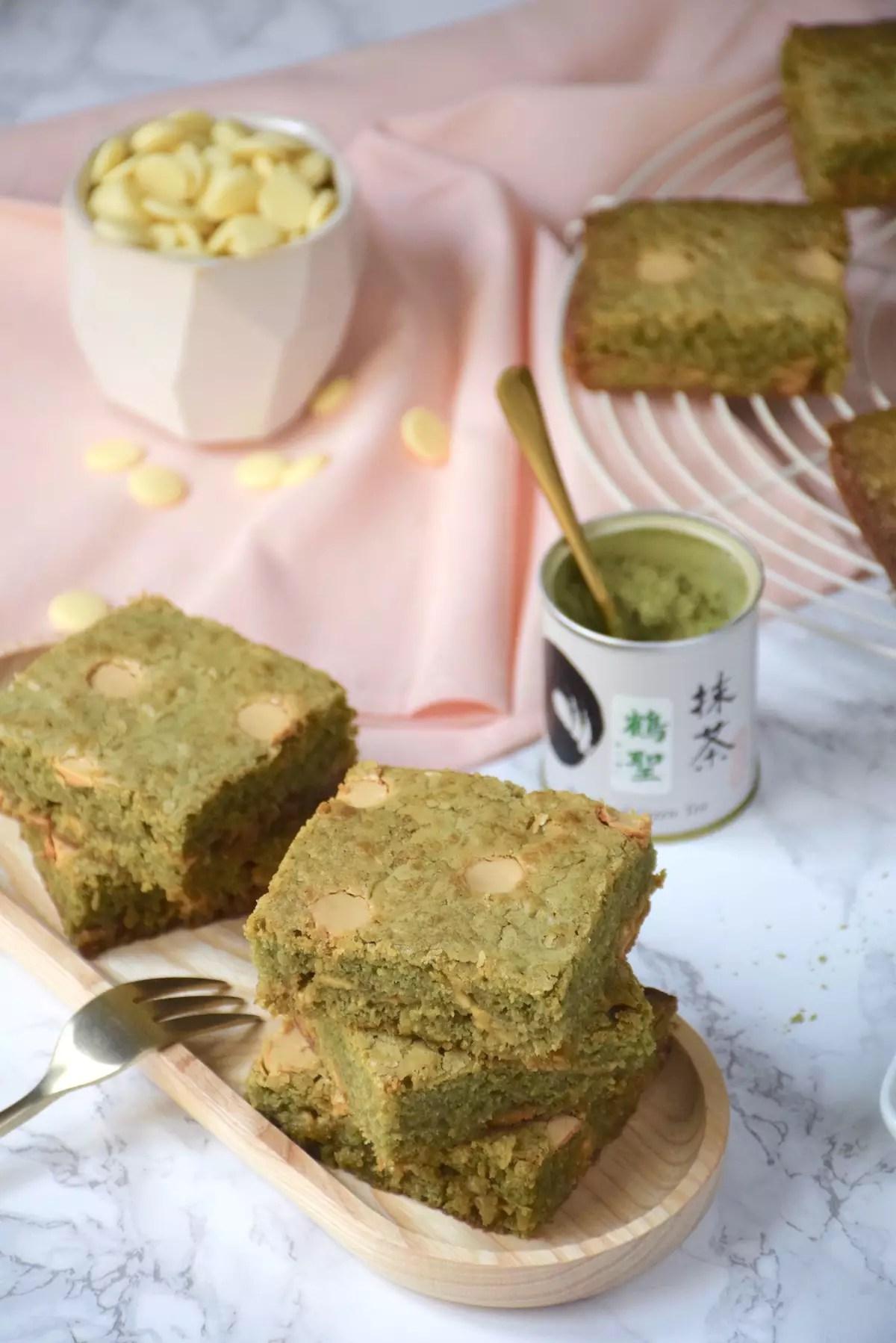Blondies au thé vert matcha