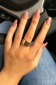 7 flattering nail shapes
